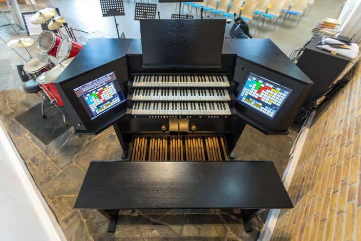 Orgel NEBOkerk bovenaf
